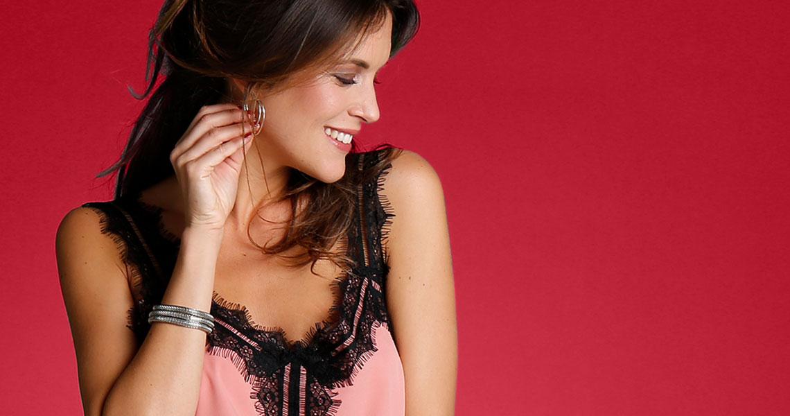 Slušiví parťáci pro vaše křivky: tuniky a halenky